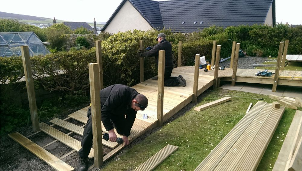 Davie & Lennie building a ramp